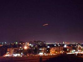 الدفاع الجوي السوري يتصدى لعدوان إسرائيلي على المنطقة الجنوبية (فيديو)
